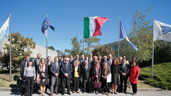 Delegazione di diplomatici dell'Europa centro-orientale incontra il sistema scientifico triestino