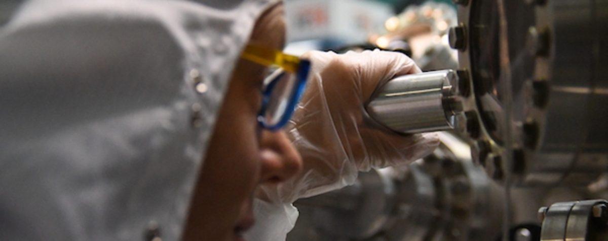 """Nanotecnologie: studiato il """"cuore"""" ultraveloce delle celle solari"""