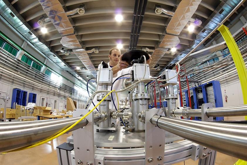 Quando un laser è un vero laser? La risposta da un esperimento  pubblicato su Nature Communications