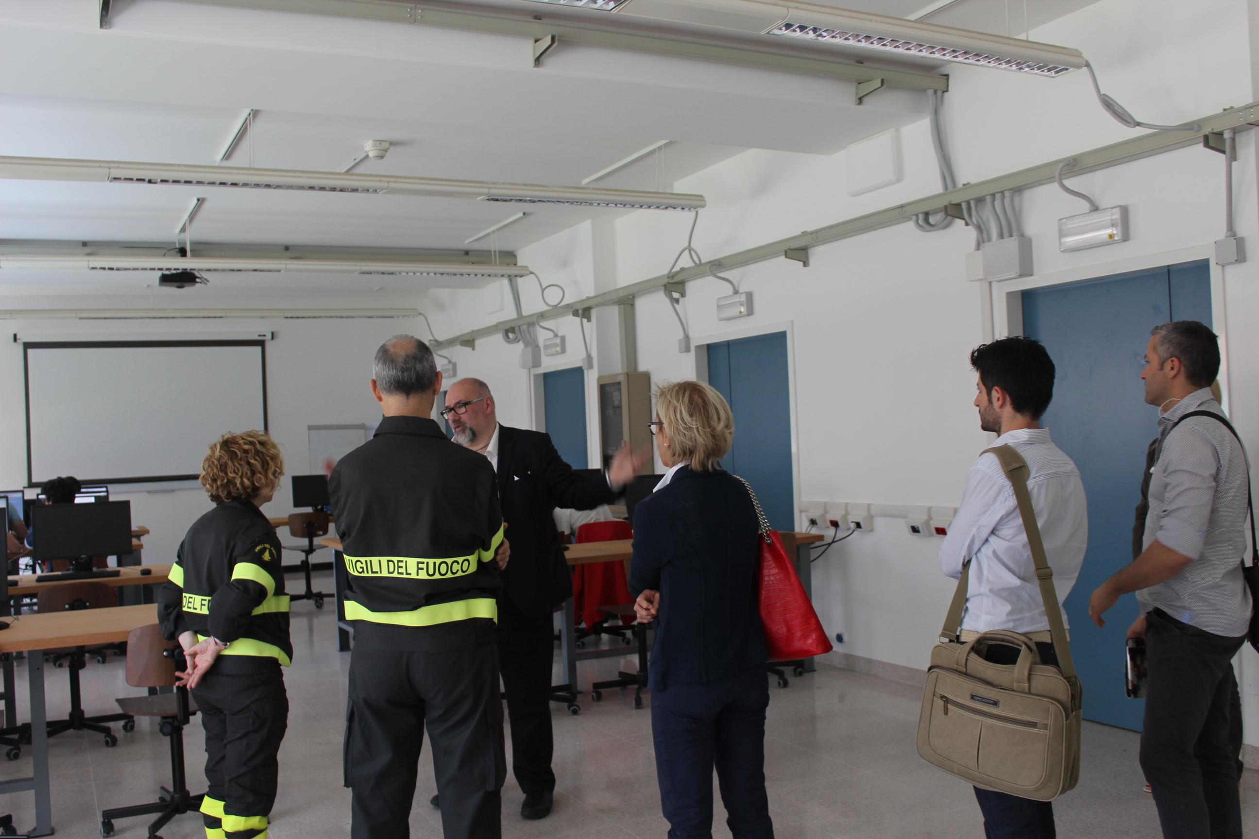 Comandante dei Vigili del Fuoco di Trieste visita AREA