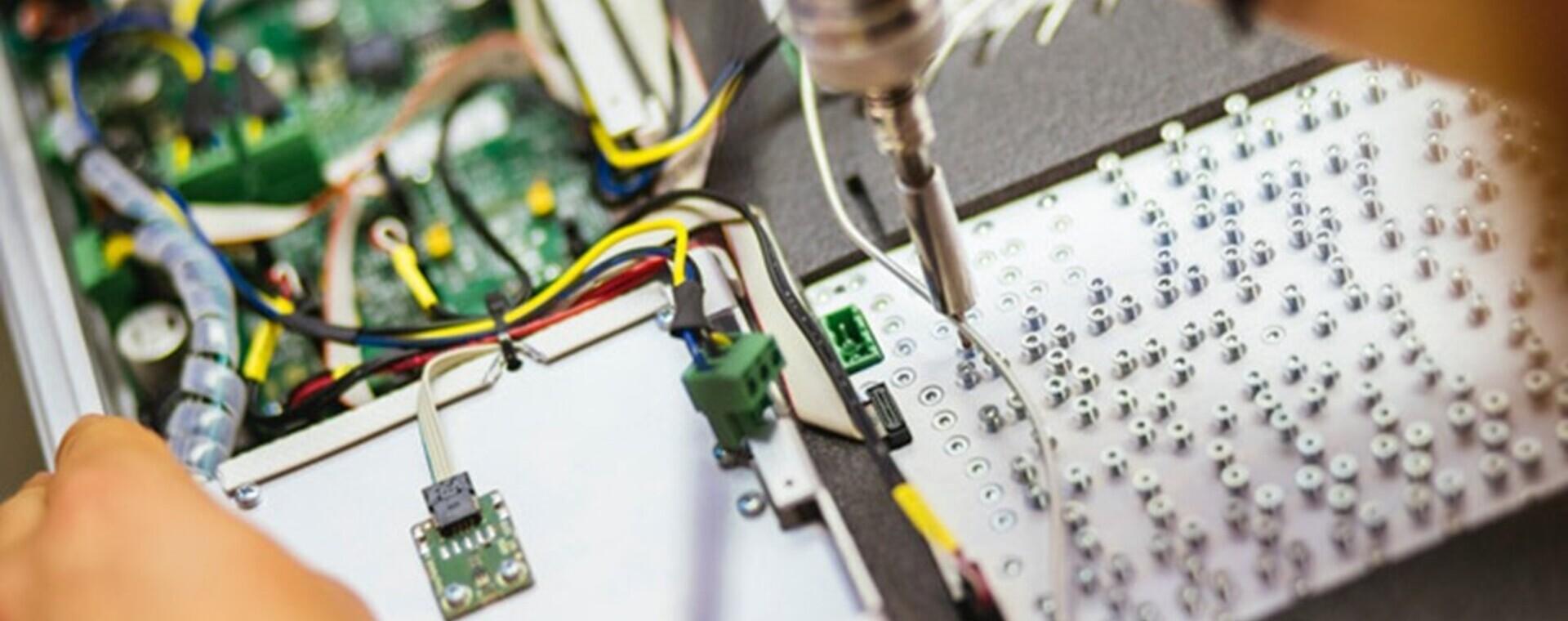 Firmato accordo di collaborazione internazionale tra Elettra e l'azienda slovena Instrumentation Technologies