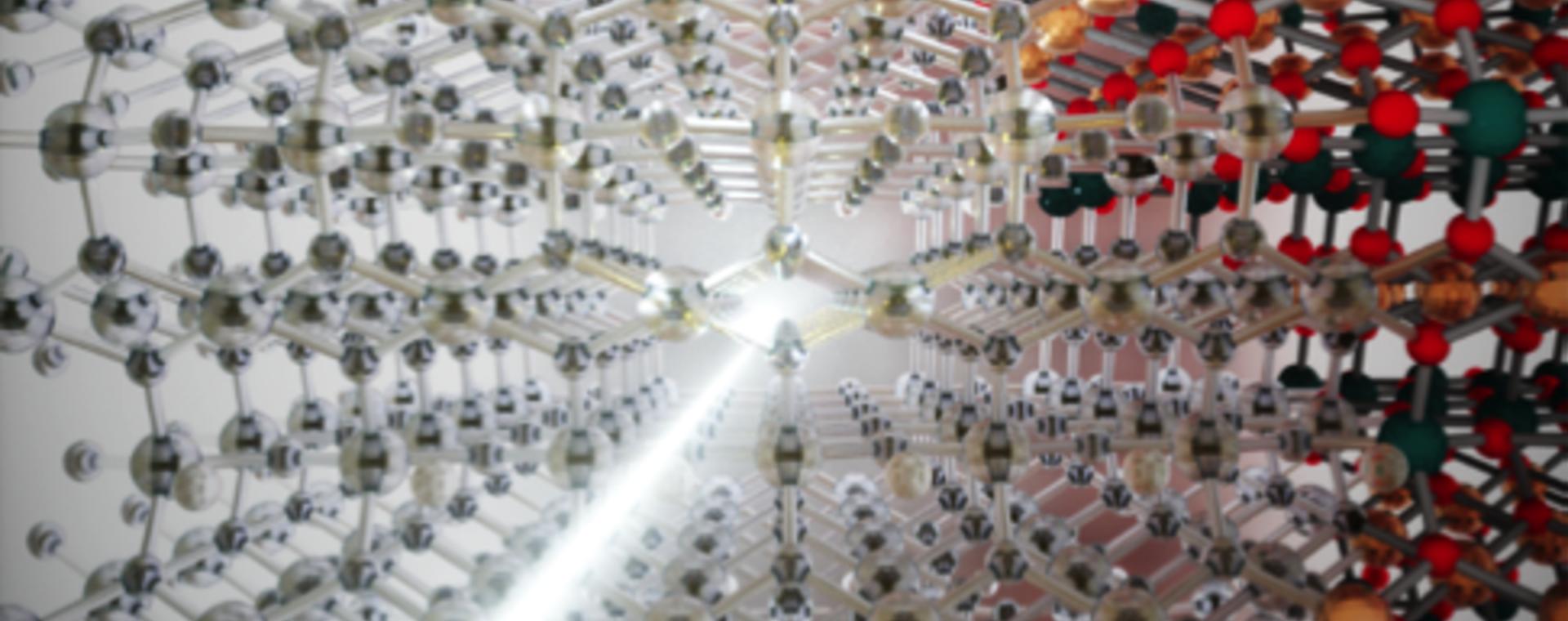 """Dare un """"calcio"""" agli atomi per far diventare trasparente un materiale"""