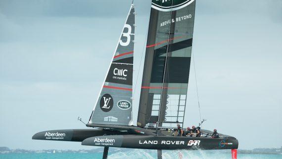 Semifinali America's Cup, tecnologia italiana in gara con Land Rover BAR