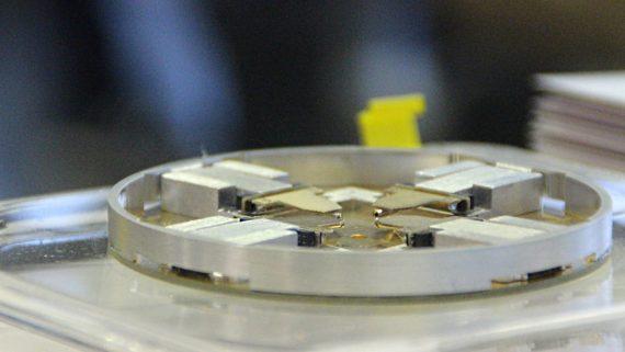 Scuola di microscopia elettronica: grande interesse per i microscopi di ultima generazione